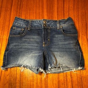 Maurices cut off jean shorts